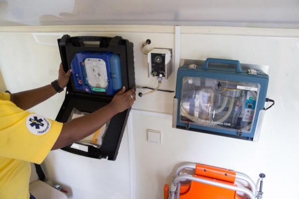 patiententransport krankentransport ivb Defibrillator